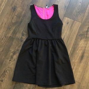 BLACK DRESS W/ HOT PINK ZIPPER